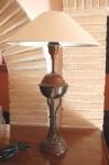 LAMPADA DA TAVOLO IN METALLO.